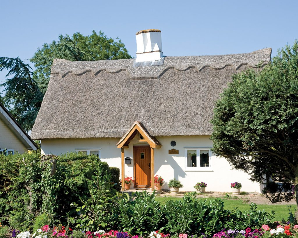 osborne_thatched_cottage_renovation
